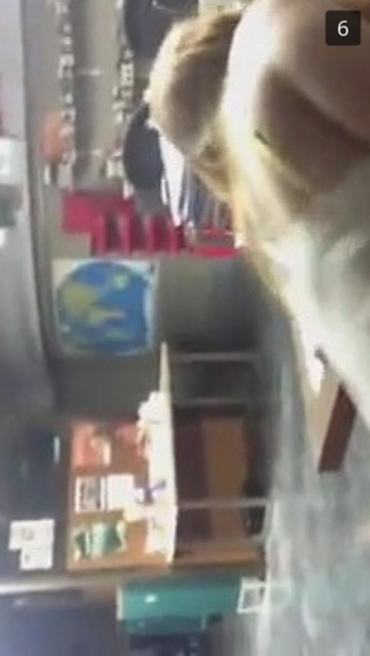 Sex la şcoală, un profesor cu eleva lui. Au apărut poze din timpul amorului interzis