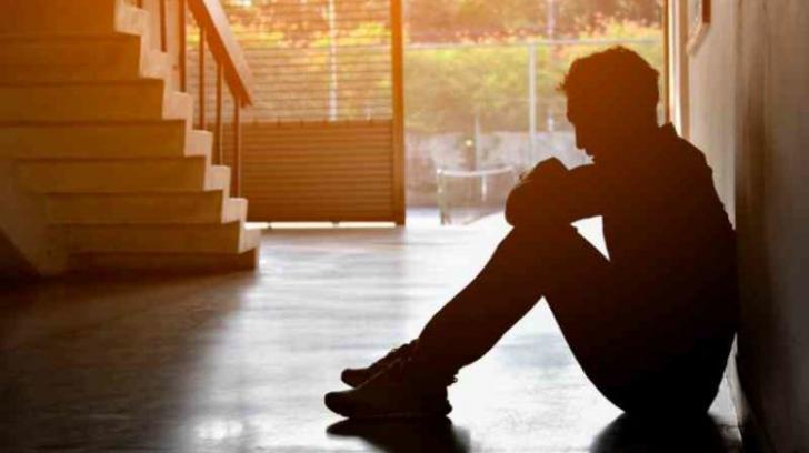 Studiu deprimant: ce se întâmplă cu cei care suferă de singurătate