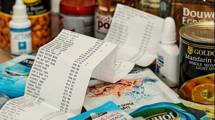 """Atenție! Ce înseamnă când casierul de la supermarket spune """"Cod 10"""" după ce plătești"""
