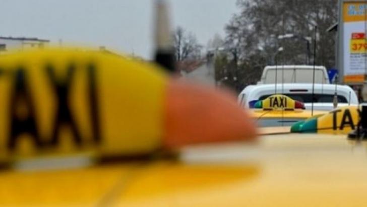 Panică la Galaţi! Un taximetrist a fugit cu băieţelul de 2 ani al unui client