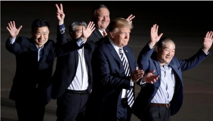 Donald trump i-a întâmpinat pe foștii prizonieri