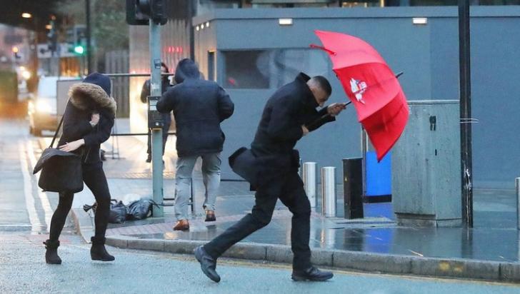 ALERTĂ METEO de fenomene periculoase: COD PORTOCALIU de furtuni şi grindină. HARTA