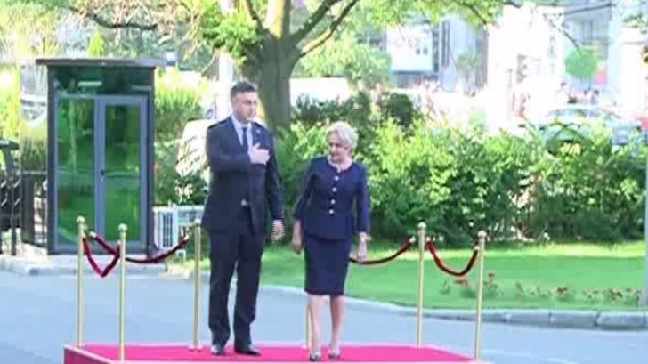 Viorica Dăncilă, gafă de protocol la primirea premierului croat. Ce a făcut