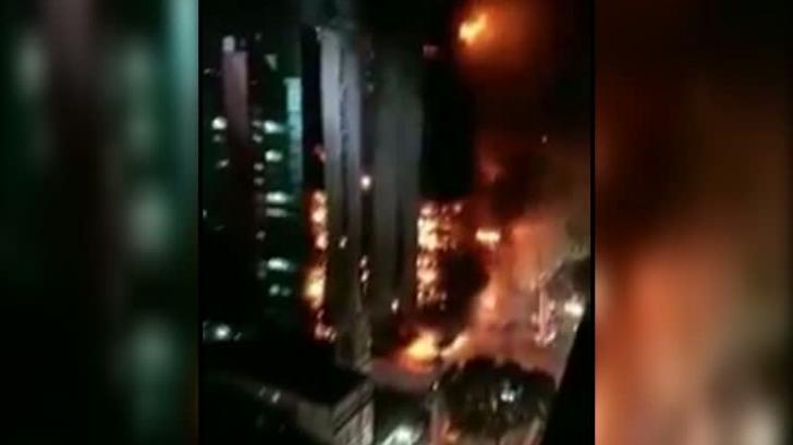 Momentul şocant în care un zgârie-nori s-a prăbuşit în centrul oraşului Sao Paulo