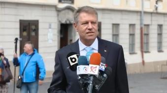 Iohannis, despre o eventuală OUG: Mare grijă, societatea civilă trebuie să fie alertă. Să protestăm!