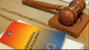 CCR discută, marţi, sesizarea lui Iohannis asupra modificării Legii privind referendumul
