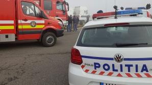 Doi răniţi, după ce un tânăr băut şi fără permis a furat maşina bunicului şi a lovit un autobuz