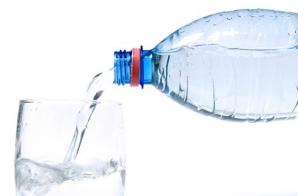 Ce se întâmplă în corpul tău dacă bei prea multă apă