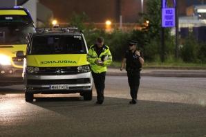 Cel puţin cinci oameni au fost răniți, după ce o mașină a intrat în mulțime în Manchester