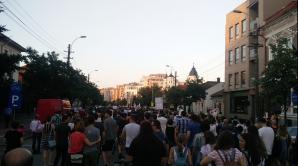 Primul oraş în stradă. Mii de oameni protestează la Cluj după atacul PSD împotriva justiţiei