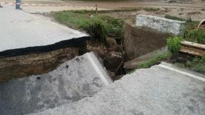 Drum închis din cauza unui crater de doi metri