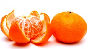 A pus o mandarină la microunde timp de 20 de secunde. Ce s-a întâmplat e uimitor! Super-truc!