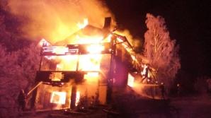 Incendiu devastator la o casă de vacanță din Breaza