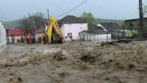 COD ROŞU de inundaţii în două judeţe! Cod portocaliu şi cod galben în mare parte din România