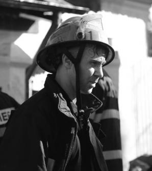 """Zi de doliu printre salvatorii ISU: """"Era în gura focului, dincolo de el nu mai era decât prăpădul"""""""
