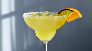 Cum să prepari un cocktail ca un adevărat profesionist la tine acasă