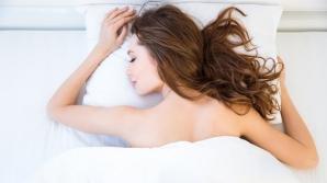 De ce este bine să dormi fără pijama. Tu ştii motivul?