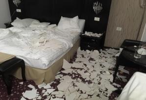 Tavan prăbuşit peste o turistă, într-un hotel din Băile Felix