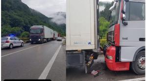 Trafic blocat pe Valea Oltului. Trei TIR-uri implicate într-un accident rutier