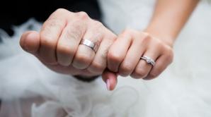 De ce se poartă verigheta pe inelarul mâinii stângi? Tu ştii răspunsul?