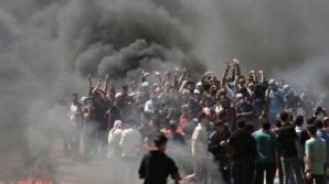 VIOLENŢE la frontiera cu Fâşia Gaza: cel puţin 100 de protestatari răniţi