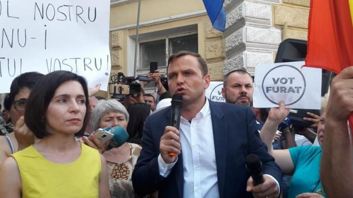 Luptă în instanță și pe străzi după invalidarea mandatului lui Andrei Năstase la primăria Chișinău
