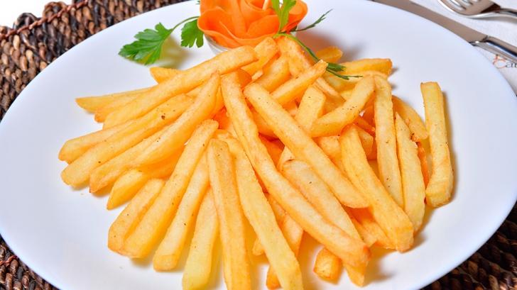Cum faci acasă cartofi prăjiţi ca la restaurant? Ce nu ştiai până acum