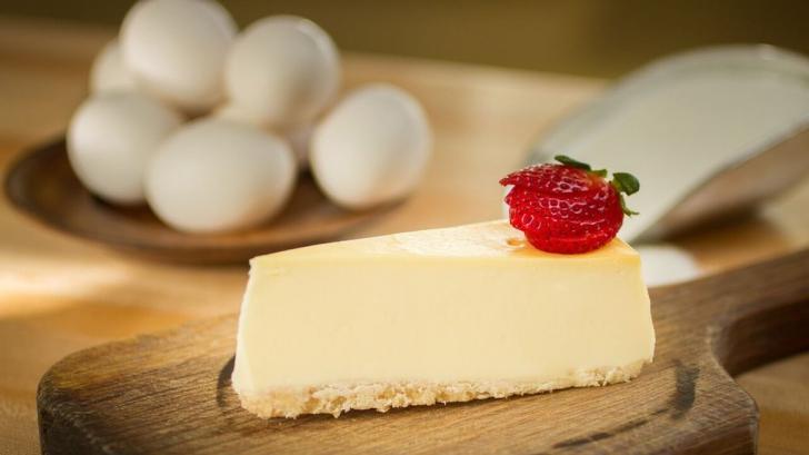 Cel mai bun cheesecake, rapid, fără coacere. Reţeta deliciului