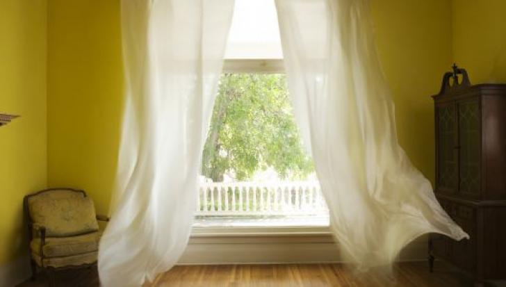 Cum să ai răcoare în casă fără aer condiţionat. Trucuri extrem de folositoare