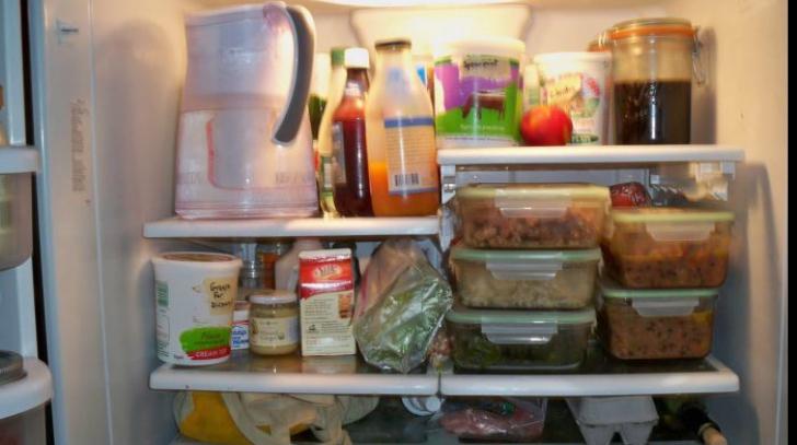 Mâncarea care te omoară. Tu ştii ce ai în frigider?