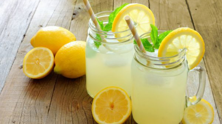 Limonada perfectă pentru zilele extrem de călduroase. Reţeta băuturii magice