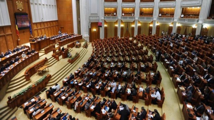 Moţiunea simplă pe transporturi, iniţiată de USR, dezbătută în Parlament
