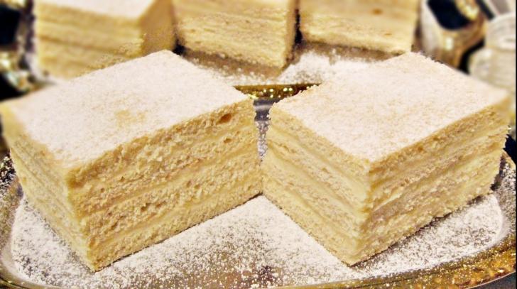 Cum să prepari rapid o prăjitură perfectă. Reţeta desertului răcoros