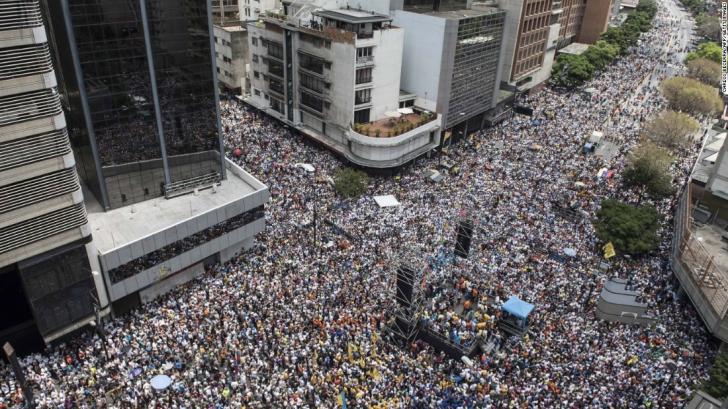 <p>Proteste reale anti-guvernamentale în Caracas, Venezuela</p>