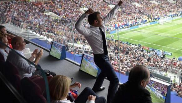 Macron in tribune