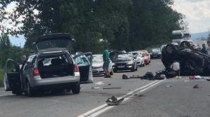 TRAGEDIE pe şoselele din România. O persoană a murit şi şase au fost rănite într-un accident rutier