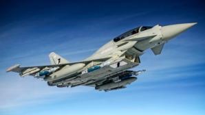 Avioane de vânătoare, trimise pentru interceptarea unui bombardier rus deasupra Mării Negre