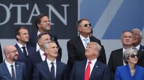 Iohannis, în poza de grup de la summit-ul NATO