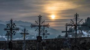 Caz şocant la Slobozia: un mort a fost chemat în instanţă, pentru a fi obligat la muncă