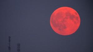 HOROSCOP. Influenţa celei mai lungi eclipse de lună a secolului. Ghinion sau fericire?