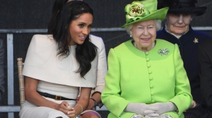 Nu-i uşor să fii prinţesă: ce nu are voie să facă Meghan Markle când Regina e de faţă