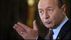 Băsescu, despre Dăncilă: Nu înţelege vălul de penibil cu care acoperă ţara