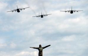 Ceremonie militară, în Capitală, de Ziua Aviaţiei Române şi a Forţelor Aeriene. Restricţii de trafic