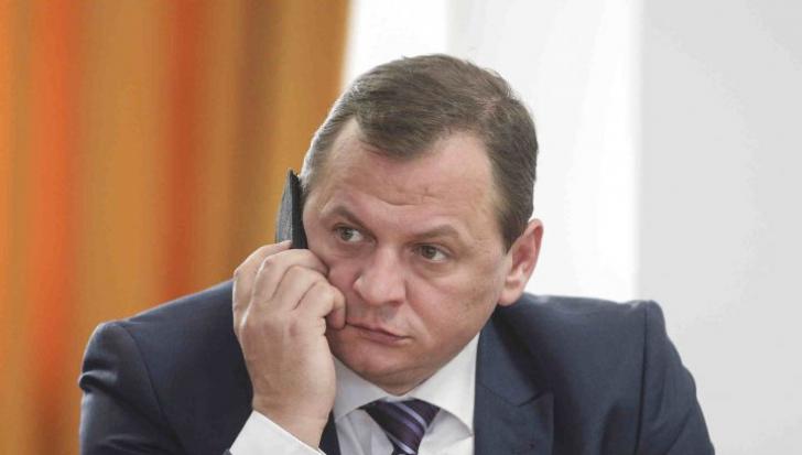 Parlamentul a votat în unanimitate vacantarea mandatului de deputat al lui Gabriel Vlase