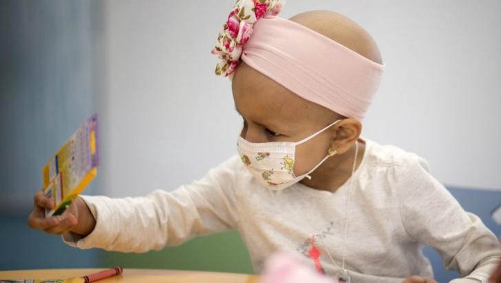 Petrecere pentru copiii bolnavi de cancer, internați la Spitalul Fundeni