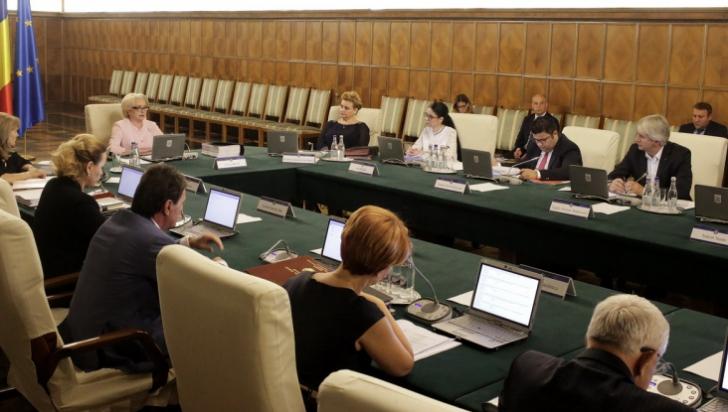 Palatul Victoria a anunţat: şedinţa de Guvern, marţi, la ora 14.00. Surse: OUG pentru amnistie