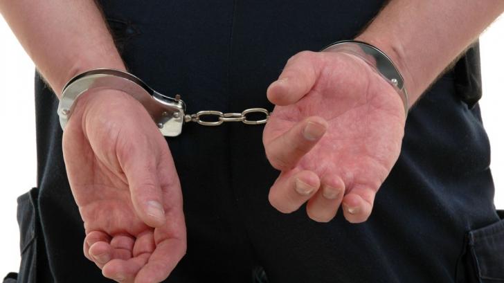 Infractor urmărit internaţional, prins de poliţişti pe teritoriul României