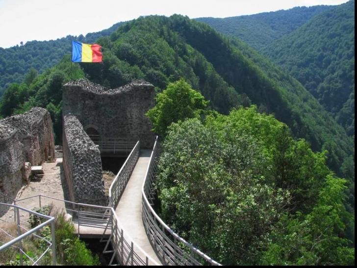 Cetatea lui Țepeș vizitată doar cu jandarmii! Pentru ce au fost luate măsurile de securitate?