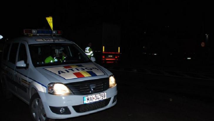 Femeie împușcată de un polițist, în Argeş. Victima, rănită în timpul unei urmăriri