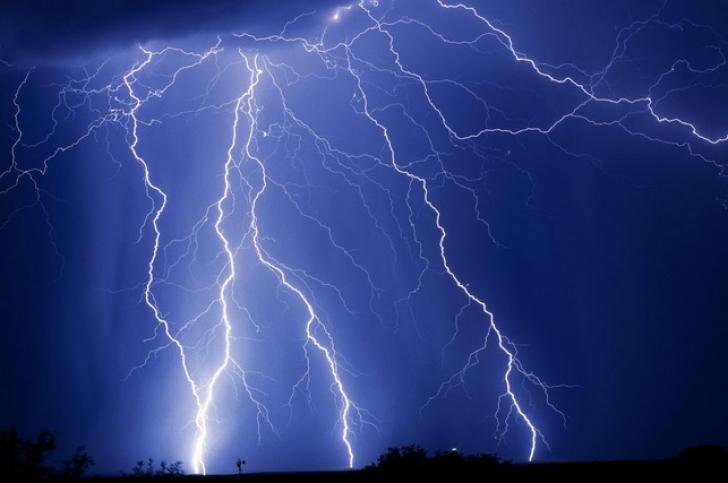ALERTĂ METEO de vreme severă. Cod PORTOCALIU de furtuni şi grindină - HARTA